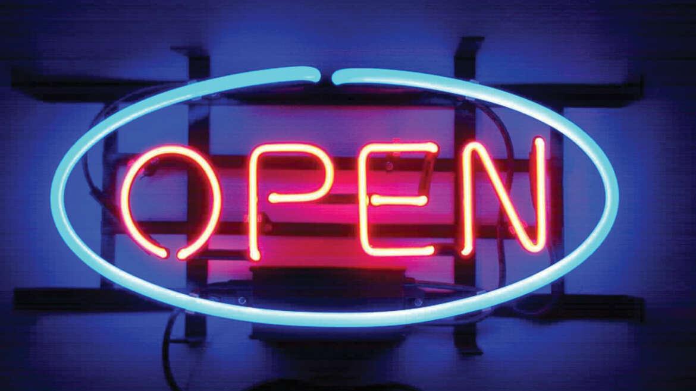 Open – neon napisi