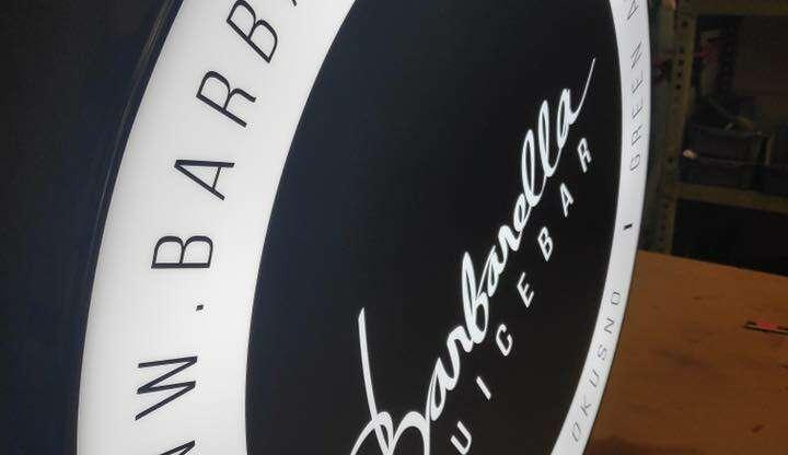 Barbarella – svetlobna tabla